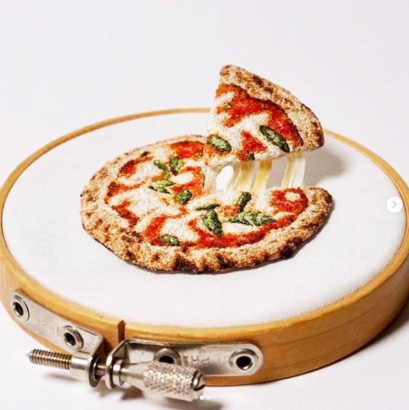【ピザ/マルゲリータ】のびるチーズの仕掛けは企業秘密!制作&写真/ipnot