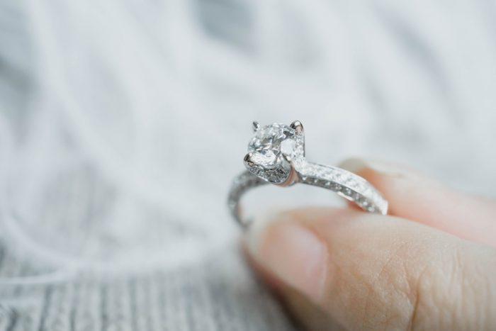 婚約指輪と結婚指輪の違い1