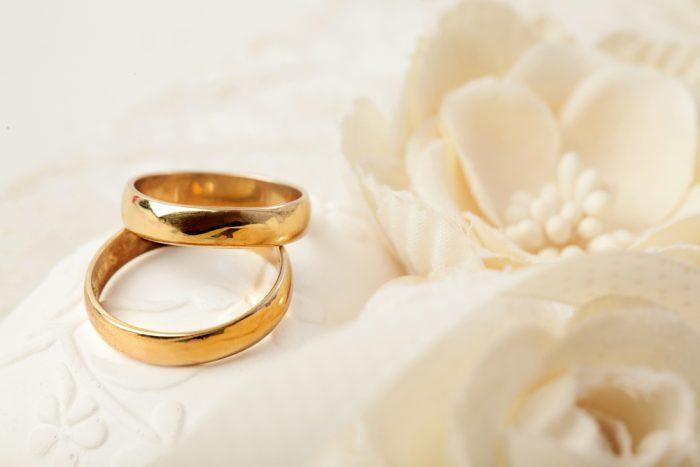 【後悔しない!】ゴールドの結婚指輪人気ブランド5選を10社から比較!