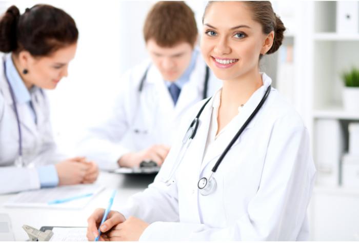 デリケートゾーンの黒ずみを皮膚科で治療できる?治療法や料金を解説!