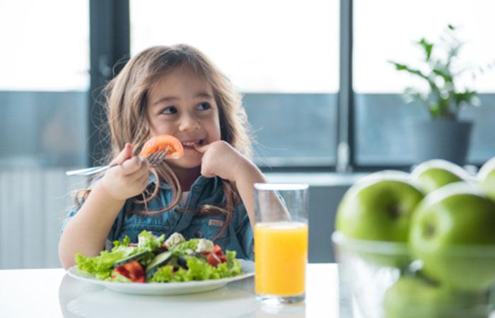 普段の食事の見直し(食べ物の栄養バランスを考えよう!)