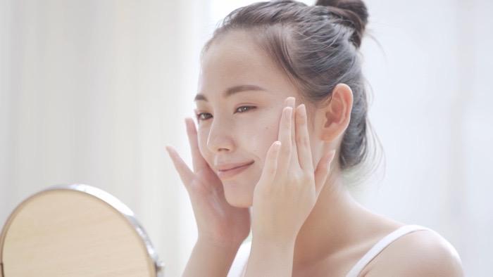 コスパや成分も比較!20代におすすめの人気美容液ランキング5選!