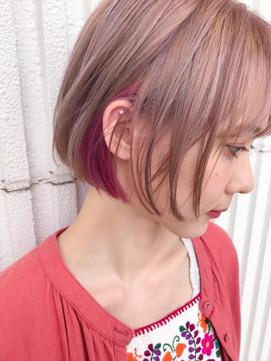 2020年春 ショート ピンクアッシュのヘアスタイル ヘアアレンジ