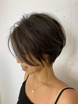 2020年春 ウルフカットのヘアスタイル ヘアアレンジ 髪型一覧