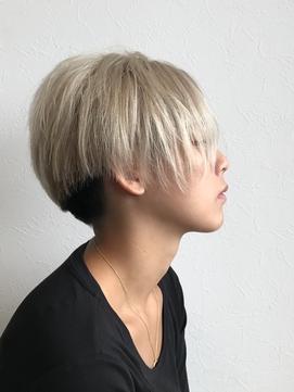 2020年冬】ショート ツートンのヘアスタイル・ヘアアレンジ