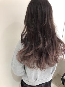 2020年夏 アッシュグラデーションのヘアスタイル ヘアアレンジ 髪型